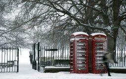 Snow Park. Snow covered path heading to Kensington Palace. Kensington Gardens is a Royal Park originally part of Hyde Park Stock Photo
