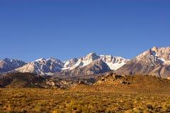 Free Snow Peaked Mountain Royalty Free Stock Photography - 17176527