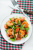 Snow peas and tomato salad with shrimps (prawns) Stock Photography