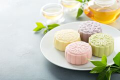 Free Snow Skin Mooncakes For The Mid Autumn Festival Royalty Free Stock Image - 194810926