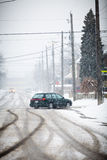 Snow-täckt väg Fotografering för Bildbyråer