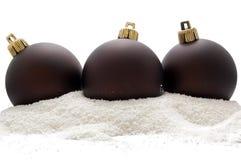 snow tre för brun jul för bollar djup Fotografering för Bildbyråer