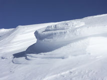 36/5000Snow vormingen in Monti Sibillini Stock Foto