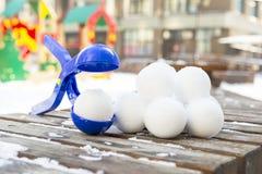 Snowball producenta narzędzie z setem gotowi snowballs Obrazy Royalty Free
