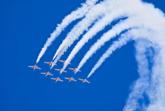 Snowbirds im Flug Lizenzfreies Stockfoto