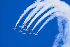 Snowbirds tijdens de vlucht royalty-vrije stock foto