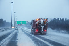 Snowblower αφαιρεί τη διαδρομή Στοκ Εικόνες