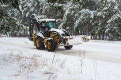 Snowblower τρακτέρ Στοκ εικόνα με δικαίωμα ελεύθερης χρήσης