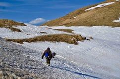 Snowboard de Backcountry: Ganando sus vueltas en Loveland pase, Colorado Foto de archivo libre de regalías