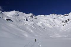 Snowboard en ski in berg royalty-vrije stock afbeelding