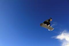 Snowboard-Sprung Lizenzfreie Stockfotos