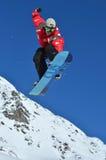 Snowboard stylu wolnego wyczyn kaskaderski Zdjęcia Royalty Free