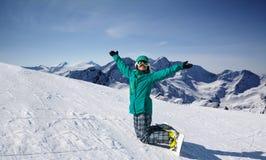 Snowboarder στο λόφο χιονιού, Solden, Αυστρία, ακραίος χειμερινός αθλητισμός στοκ εικόνες