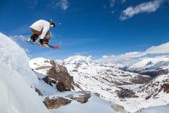 Snowboarder в небе Стоковая Фотография RF
