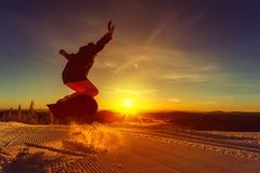Snowboarder на горе Стоковое Фото
