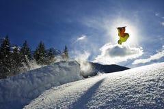 Snowboarder al revés Imagen de archivo libre de regalías