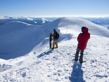Snowboarder con Splitbord nelle montagne Fotografia Stock