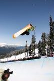 Snowboarder del tubo Fotografie Stock