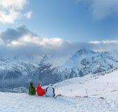 Snowboarder in den Weihnachtskostümen Lizenzfreies Stockbild