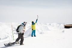 Snowboarder die foto van het mooie landschap van zeer hoogste van een berg nemen royalty-vrije stock afbeeldingen