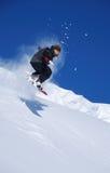 Snowboarder die hoog springt Royalty-vrije Stock Afbeelding
