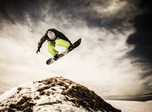 Snowboarder för ung man Fotografering för Bildbyråer