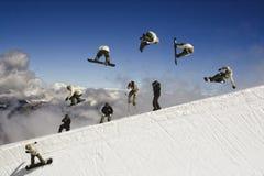 Snowboarder na Metade-tubulação na geleira de Tignes, France fotos de stock royalty free