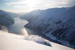 Snowboarder op splitboard Royalty-vrije Stock Afbeelding