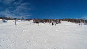 Snowboarder overvalt stock footage