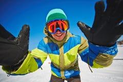 Snowboarder på semesterorten Royaltyfri Bild