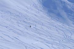 Snowboarder Rothorn in discesa a Lenzerheide nelle alpi svizzere Fotografie Stock
