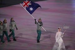 Snowboarder Scotty James, der die Flagge von Australien die australische Olympiamannschaft beim PyeongChang führend 2018 Winter-o Stockfoto