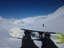 Snowboarder-Stillstehen Stockbild