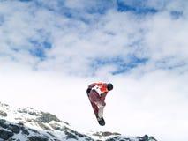Snowboarder su aria Immagini Stock Libere da Diritti