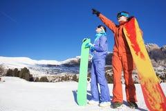 2 snowboarders na górze горы Стоковые Изображения