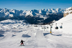 Snowboarders na snow park Fotografia Stock
