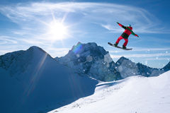 Snowboarding de sport d'hiver Photos libres de droits
