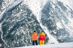 Snowboarding im Winter Lizenzfreies Stockfoto