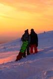 Snowboarding på den Pyhä-Luosto nationalparken Lapland Arkivfoton