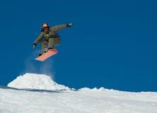 Snowboardsprung Lizenzfreies Stockfoto