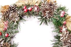 Snowbound Bożenarodzeniowego wianku Jedlinowego drzewa zabawki jagod prezenta Wakacyjny Mag Obraz Stock