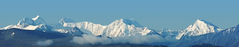 Snowbound mountains panorama Royalty Free Stock Photos