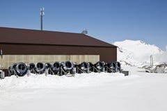 Snowcannons строки, ледник Molltaler, Австрия Стоковое Фото