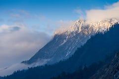 snowcapped berg Royaltyfria Foton
