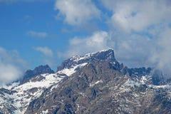 Snowcapped masl Monte Cinto 2706, самая высокая гора на острове Корсики, Франции, Европы стоковая фотография