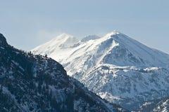 Snowcaps dell'alta montagna Immagini Stock