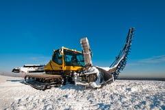 Snowcat per la fabbricazione delle rampe Fotografie Stock Libere da Diritti