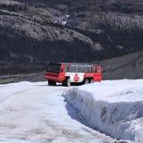Snowcoach. royaltyfri bild