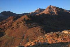 Snowdon en Voederbak Goch. stock fotografie