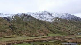 Snowdon-Strecke mit Schnee Stockfotografie